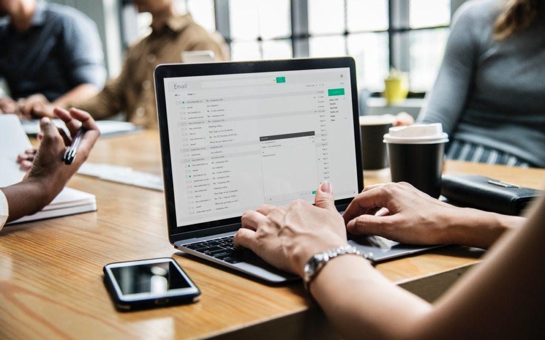 Jak bezpiecznie korzystać z maila?